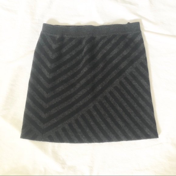 Cynthia Rowley Dresses & Skirts - 🌺 4/$20 Cynthia Rowley Wool Chevron Stretch Skirt